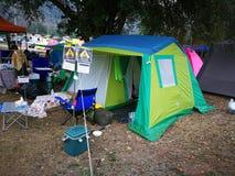 Mercado del artículo y de accesorios que acampan Fotografía de archivo