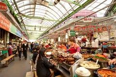 Mercado del local de Seul Imágenes de archivo libres de regalías