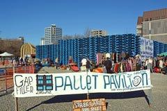 Mercado del pabellón de la plataforma en el terremoto Christchurch de los posts Fotografía de archivo libre de regalías
