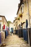 Mercado del vestido de la compra de la mujer Foto de archivo