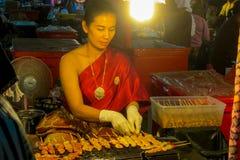 Mercado do alimento da noite em Tailândia, marketF asiático tradicional Foto de Stock