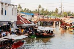 Mercado do barco de Tailândia Imagens de Stock Royalty Free
