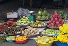 Mercado do fruto exótico Fotos de Stock Royalty Free