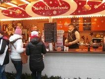 Mercado do Natal em Dresden no quadrado de Altmarkt, Alemanha, 2013 Fotos de Stock Royalty Free
