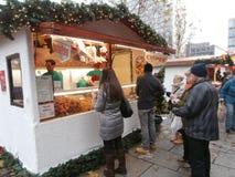 Mercado do Natal em Dresden no quadrado de Altmarkt, Alemanha, 2013 Foto de Stock Royalty Free
