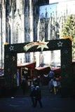 Mercado do Natal na catedral da água de Colônia Fotografia de Stock Royalty Free