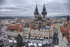 Mercado do Natal na praça da cidade velha fotos de stock royalty free