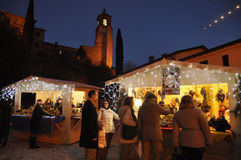 Mercado do Natal na vila pequena de Greccio em Itália Foto de Stock