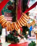 Mercado do Natal no quadrado vermelho, Moscou Secagem do russo na corda, bagels foto de stock royalty free