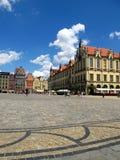 Mercado em Wroclaw, vista de baixo sobre do casas coloridas wroclaw Imagem de Stock