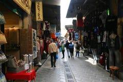Mercado en la calle de Atenas, Grecia Imagenes de archivo