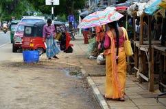 Mercado en Pottuvil, Srí Lanka fotografía de archivo