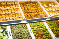 Mercado español típico de la comida. foto de archivo