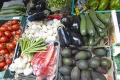 Mercado exterior, vegetais para a venda, em Aix en Provence, França Fotos de Stock