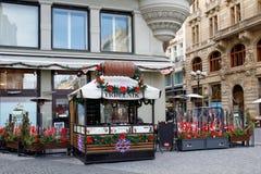 Mercado famoso de la Navidad del advenimiento en el cuadrado de Wenceslao Fotos de archivo