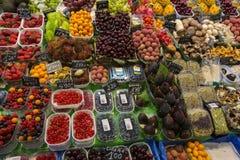 Mercado famoso do alimento de Barcelonas - Spain fotografia de stock royalty free