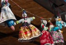 Mercado feito a mão das bonecas da lembrança fotografia de stock royalty free