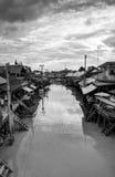Mercado flotante cerca de Bangkok en Tailandia fotos de archivo libres de regalías
