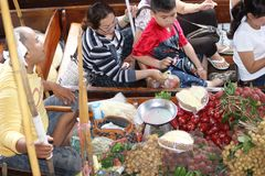 Mercado flotante, Damnoen Saduak, Tailandia Imagen de archivo