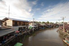 Mercado flotante de Ampawa, Tailandia Fotografía de archivo libre de regalías
