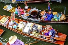 Mercado flotante de Damnoen Saduak Fotos de archivo