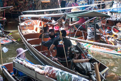 Mercado flotante de Damnoen Saduak en Tailandia Imágenes de archivo libres de regalías