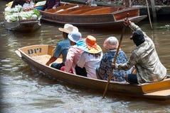 Mercado flotante de Damnoen Saduak en Tailandia Imagen de archivo