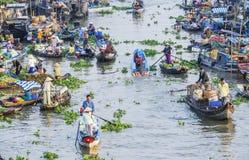 Mercado flotante de Nga Nam en Año Nuevo lunar Imágenes de archivo libres de regalías