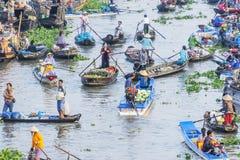 Mercado flotante de Nga Nam en Año Nuevo lunar Fotografía de archivo libre de regalías