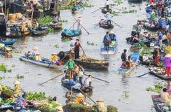 Mercado flotante de Nga Nam en Año Nuevo lunar Foto de archivo libre de regalías