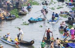 Mercado flotante de Nga Nam en Año Nuevo lunar Imagenes de archivo