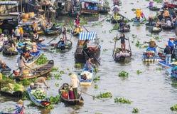 Mercado flotante de Nga Nam en Año Nuevo lunar Imagen de archivo libre de regalías