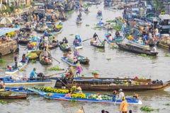Mercado flotante de Nga Nam por la mañana Imagen de archivo