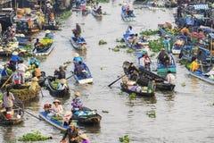 Mercado flotante de Nga Nam por la mañana Fotografía de archivo