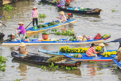 Mercado flotante de Nga Nam por la mañana Fotos de archivo libres de regalías
