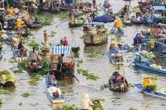 Mercado flotante de Nga Nam por la mañana Fotografía de archivo libre de regalías