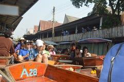 Mercado flotante de Tailandia imagen de archivo libre de regalías