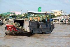 Mercado flotante del delta del Mekong fotografía de archivo libre de regalías