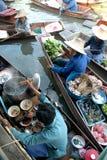 Mercado flotante del taka. Fotografía de archivo libre de regalías