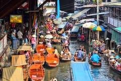 Mercado flotante en Asia Imagen de archivo