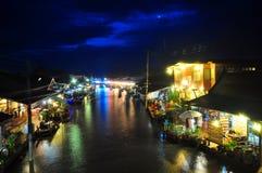 Mercado flotante en Tailandia Imágenes de archivo libres de regalías