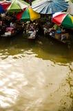 Mercado flotante popular de Tailandia Imagenes de archivo