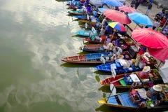Mercado flotante tailandés Fotografía de archivo