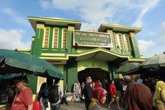 Mercado icónico del edificio de Beringharjo en Yogyakarta Imagenes de archivo