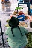 Mercado indígena de Otovalo Fotos de archivo libres de regalías