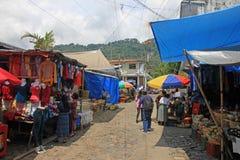 Mercado indio colorido, Panajachel, Guatemala imágenes de archivo libres de regalías