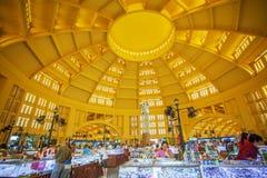 Mercado interno do russo, Phnom Penh, Camboja fotografia de stock royalty free