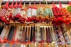 Mercado local cerca del Har Ki Pauri, Haridwar, la India Foto de archivo libre de regalías