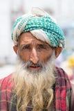 Mercado musulmán indio del hombre de la calle en Srinagar, Cachemira La India Imagenes de archivo