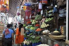 Mercado Pasillo en Mumbai Imagen de archivo libre de regalías